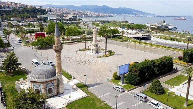 İzmir'de bazı camilerde 'Yuh Yuh' çalındı