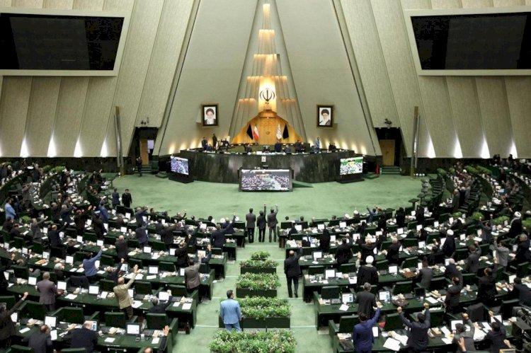 İran'da reformcular, muhafazakârlar ve iktidar arasında kavga