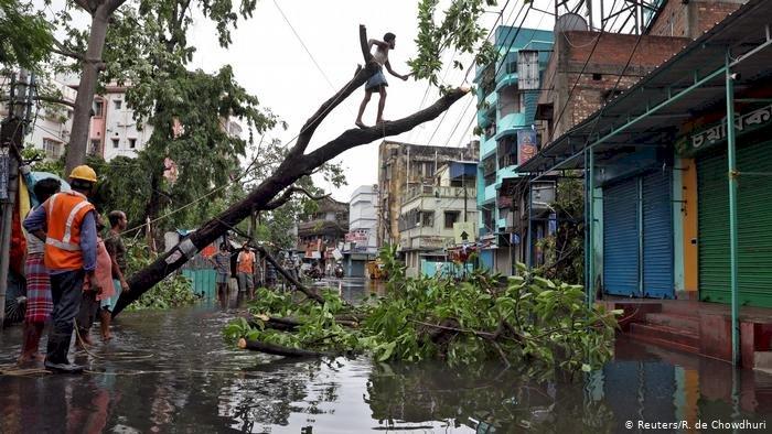 Amphan Kasırgası Bangladeş ve Hindistan'da can aldı
