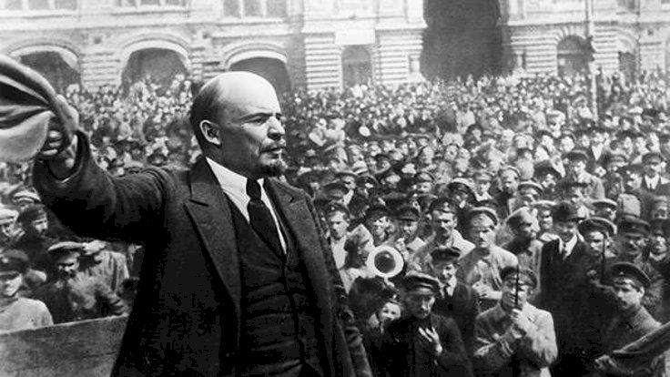 Jirinovskiy'den Lenin'in mumyasını satma önerisi