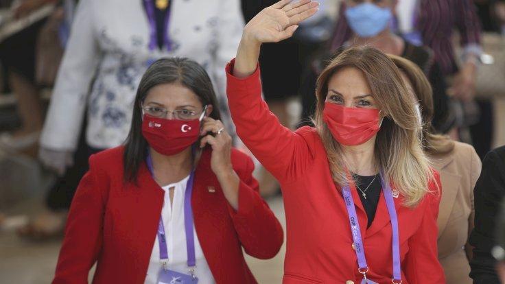 CHP Kadın Kolları Kurultayı: Üç adaylı yarış
