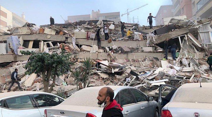 İzmir'de 6.6 büyüklüğünde deprem.  Çok sayıda bina  çöktü, kurtarma çalışmaları devam ediyor!