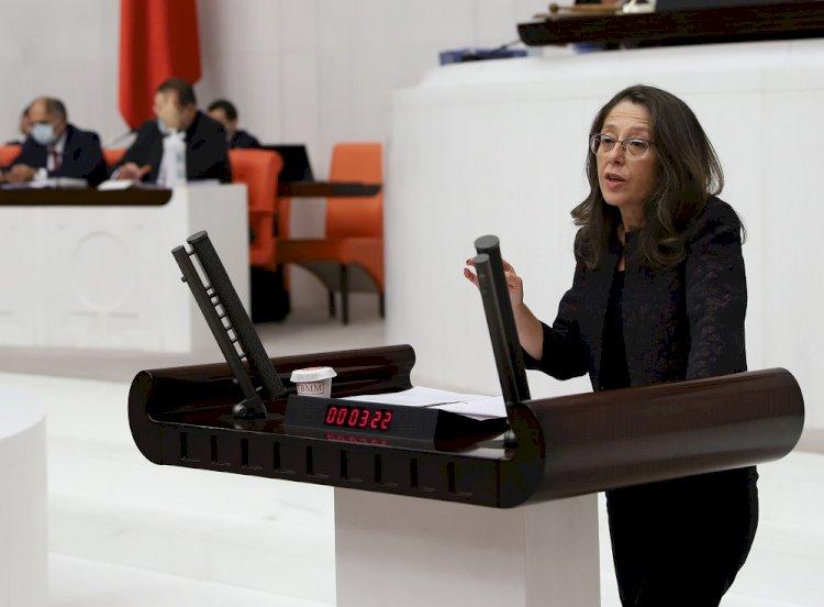 Oya Ersoy Arzu Çerkezoğlu'nun polis saldırısının ardından COVID pozitif çıkmasını sordu