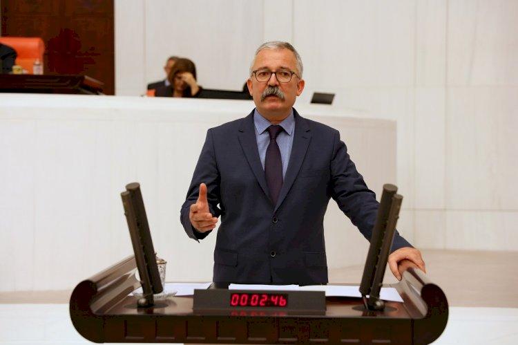 Dr. Rıdvan Turan Sağlık emekçilerinin sorunlarını meclis gündemine taşıdı.