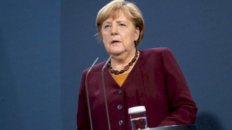 Merkel, Türkiye'ye yaptırım ihtimalinin 10 Aralık'taki AB zirvesinde görüşüleceğini açıkladı