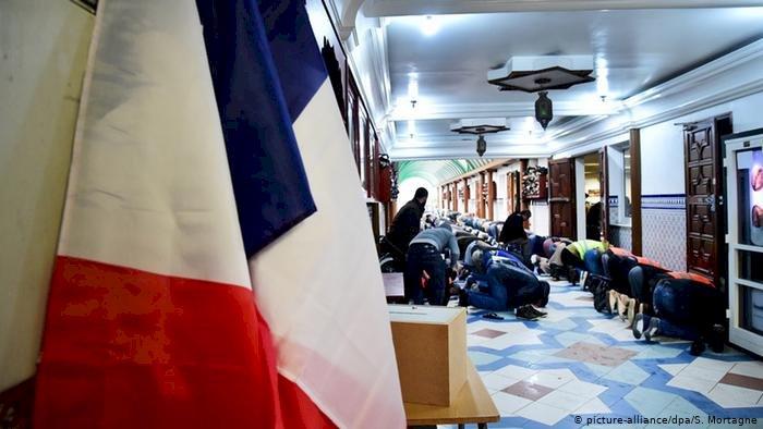 Fransa'da 76 camide inceleme yapılacak