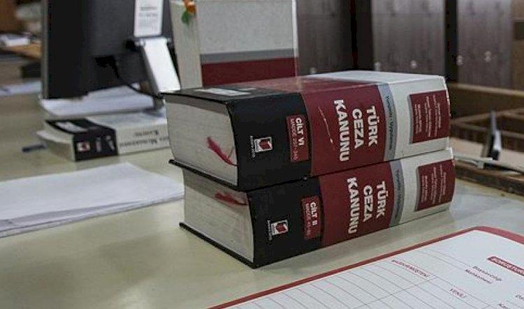 """Adalet Bakanlığı cumhurbaşkanına hakaret dosyalarında """"kovuşturmaya yer yok"""" kararı veren mahkemelerden bilgi istedi"""