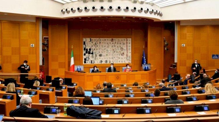 İtalya'da hükümet krizi: Koalisyonun küçük ortağı bakanlarını çekti