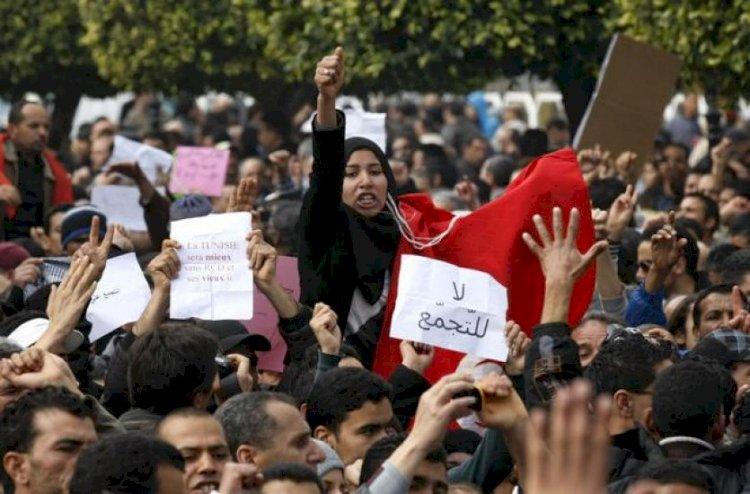 Tunus'ta isyan, Sol'un ve İslamcıların geleceği