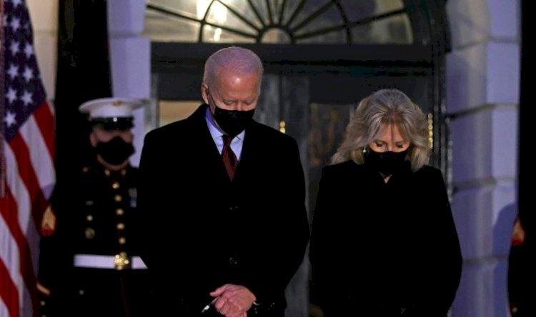 Joe Biden: Acılar karşısında hissizleşmeye direnmeliyiz