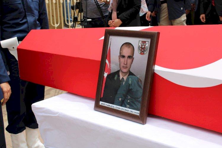 Şehit Astsubay Cihan Çifcibaşı'nın memleketi Çakıllı köyünde yapılan cenaze töreni fotoğrafları