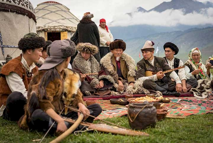 Altay Türklerinde Ad Koyma Gelenekleri