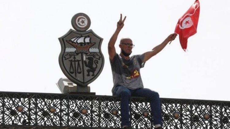 Tunus'taki müdahale, siyasal İslamcı kuşağın sonu olur mu?