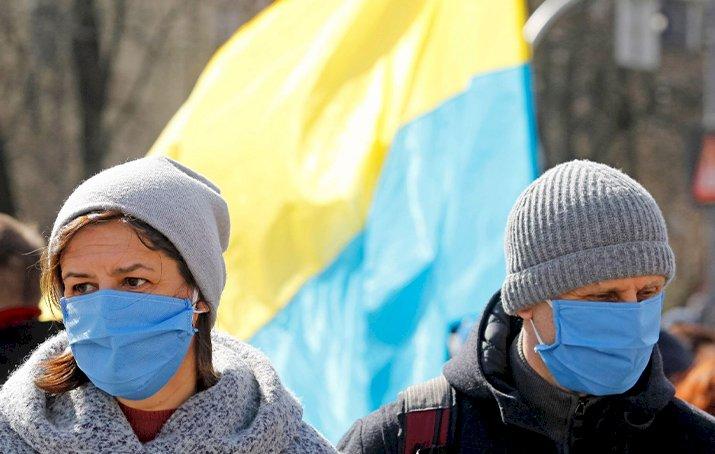 Ukrayna'da koronavirüs vaka sayısı yeniden 3 bini geçti