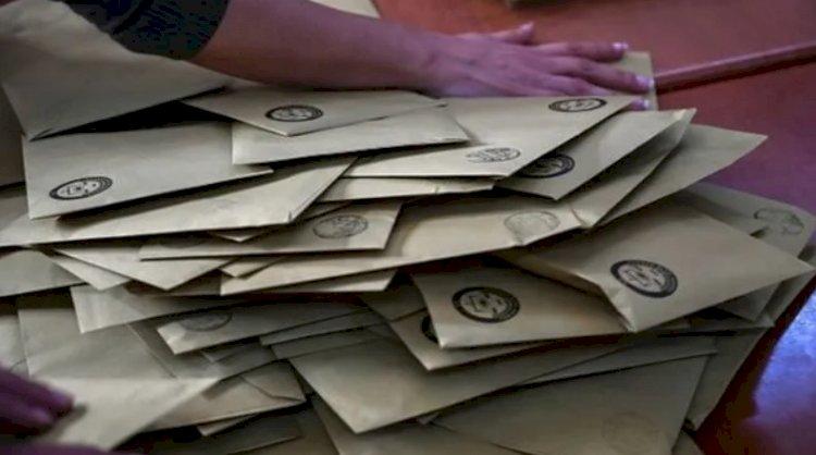 Seçim anketi: AK Parti 10.5 puan kaybetti, MHP barajı aşamadı