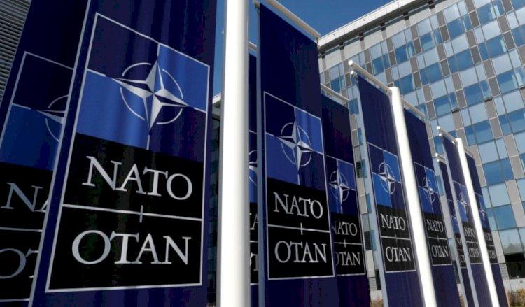 NATO'dan Sekiz Rus Diplomatı İhraç Kararı