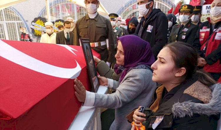 Fırat Kalkanı bölgesinde şehit olan Tayfun Özköse toprağa verildi