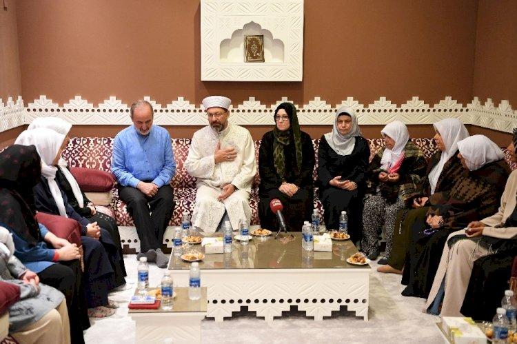 Şahit Aileleri Mekke'de