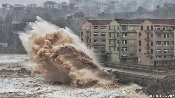 Çin'i Lekima tayfunu vurdu