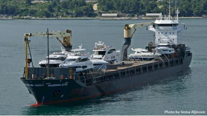 Korsanlar Kamerun açıklarında Alman şilebine saldırdı