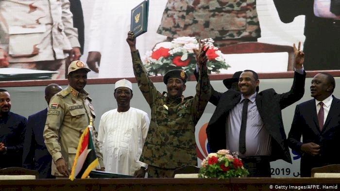 Sudan'da geçiş hükümeti için anlaşma imzalandı