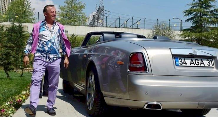 Mali sıkıntıdaki Ali Ağaoğlu otomobillerini satıyor