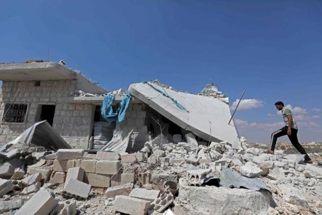İdlib - Times: Esad rejimi, 'güvenli koridor' açtıktan saatler sonra bombardımana başladı