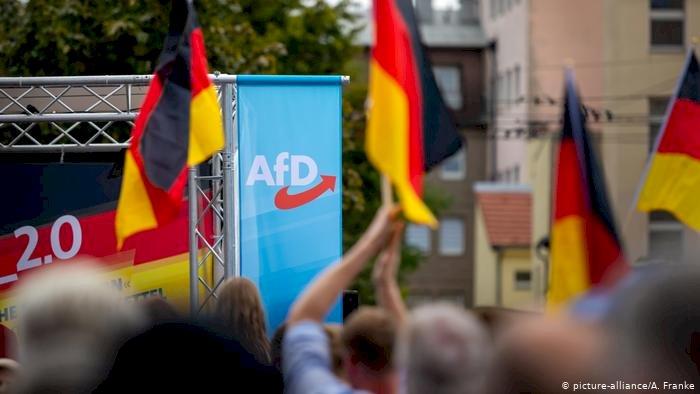 """""""Almanya derinden bölünmüş durumda"""""""