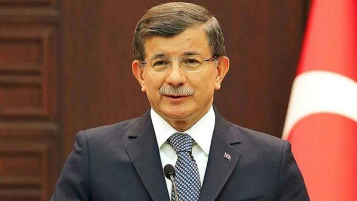 Davutoğlu AK Parti'den ihraç edilmek istenirken..