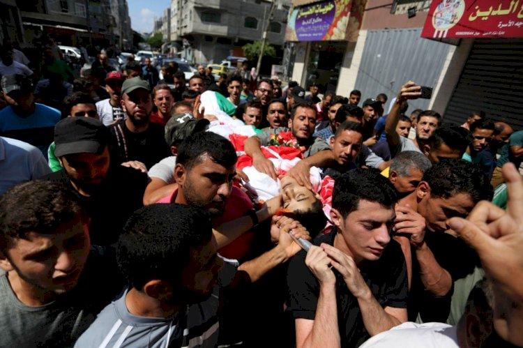 Gazze, çocuk şehitlerini uğurladı