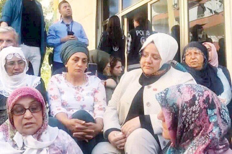 Ahmet Hakan: Devletin bir bakanı HDP'nin önünde oturmaz, oturamaz