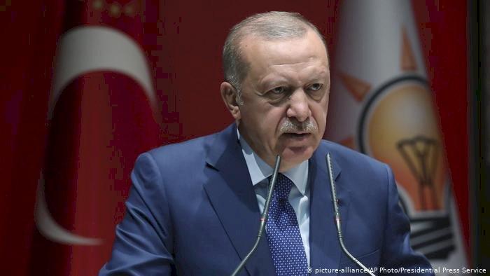 Erdoğan: Suriye'nin kuzeyinde Barış Pınarı Harekatı başladı