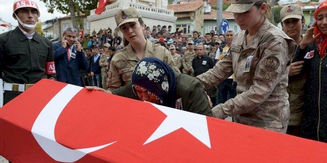 Şehit Uzman Onbaşı Mesut Çelik son yolculuğuna uğurlandı