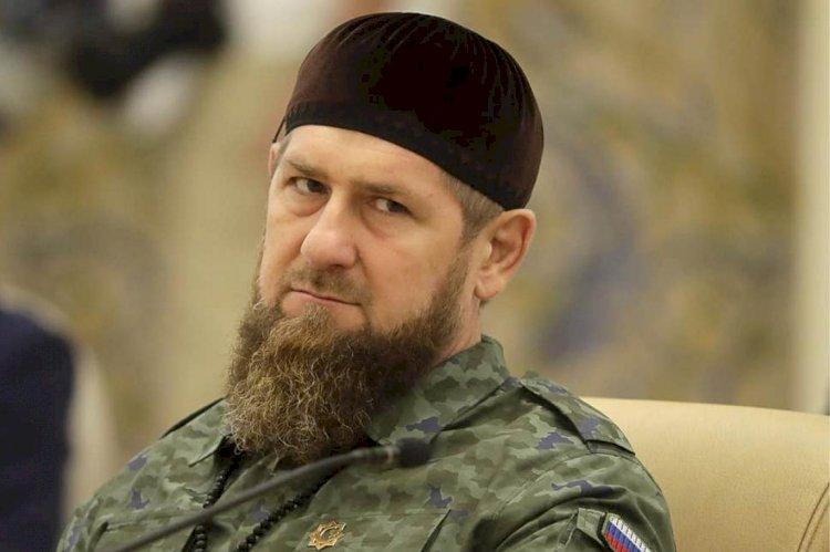"""Çeçenistan lideri Kadirov üst düzey yardımcılarına """"işkence ediyor"""" ve onları hapsediyor"""