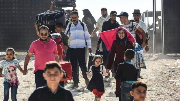 Sınırdaki Suriyeli göçmenler 'güvenli bölgeye' yerleşmeye nasıl bakıyor?