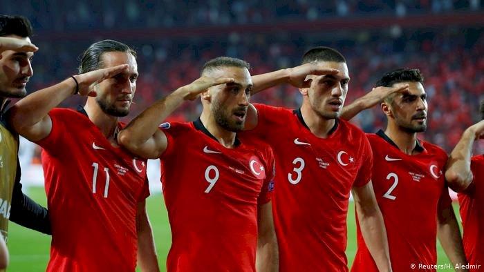 DFB başkanından Gündoğan ve Can'a 'like' eleştirisi