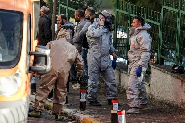 Bakırköy'deki bir dairede 1'i çocuk 3 kişinin cansız bedeni bulundu.