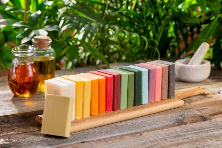 Hatay'ın defne yaprağı tüm dünyaya ihraç edilen sabunları özel kılıyor.