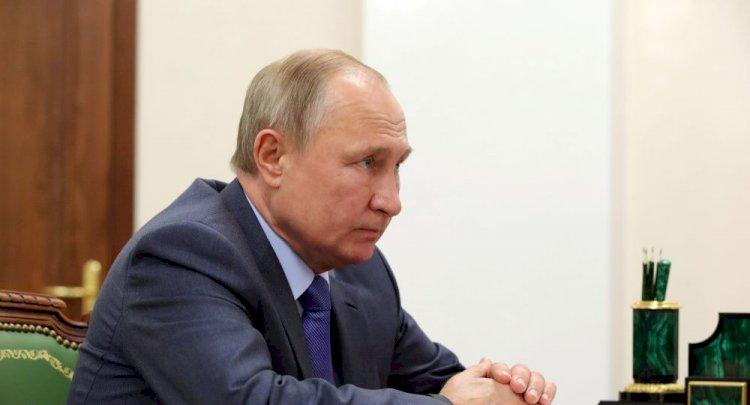 Putinteknolojik cihazlarda 'yerli yazılım şartı' yasasını imzaladı