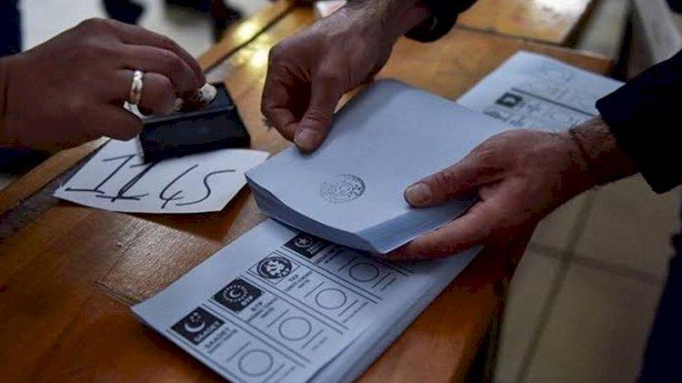 Abdulkadir Selvi: Yeni partilerin kurulduğu bu süreçte kararsızların oranı yüzde 33'e ulaştı