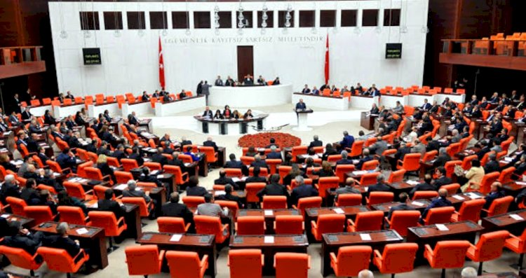 Flaş iddia: İki AK Parti milletvekili Davutoğlu'nun partisine geçecek!