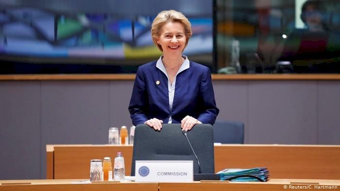 AB Komisyonu Başkanı von der Leyen yemin etti