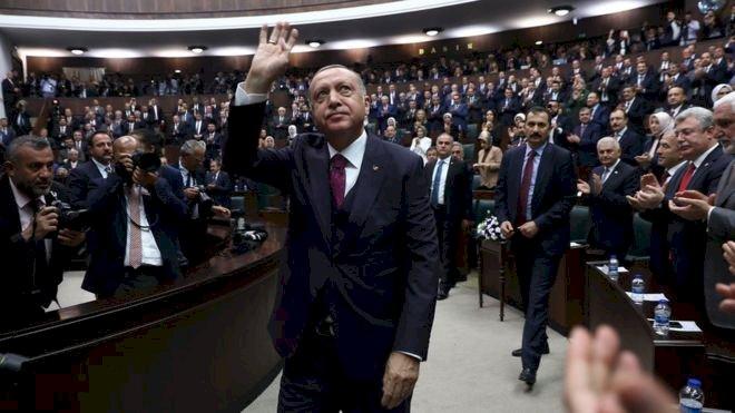 AKP, 100'e yakın belediye başkanını transfer etmeyi planlıyor