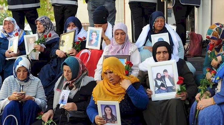 Diyarbakır annelerinin gözyaşı dinmedi!