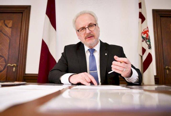 Letonya Cumhurbaşkanı  Rusça yayınları kısıtlama teklifi