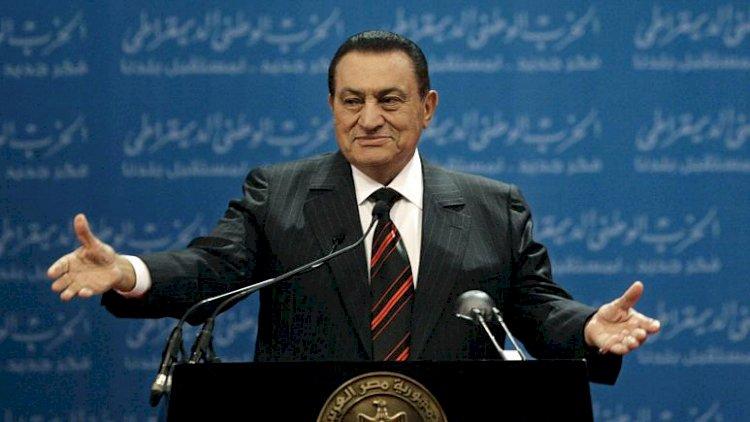 Mısır'ın devrik lideri Hüsnü Mübarek 91 yaşında hayatını kaybetti
