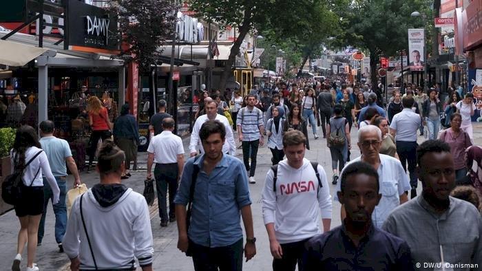 Türkiye'de işsizlik yüzde 13,7'ye yükseldi