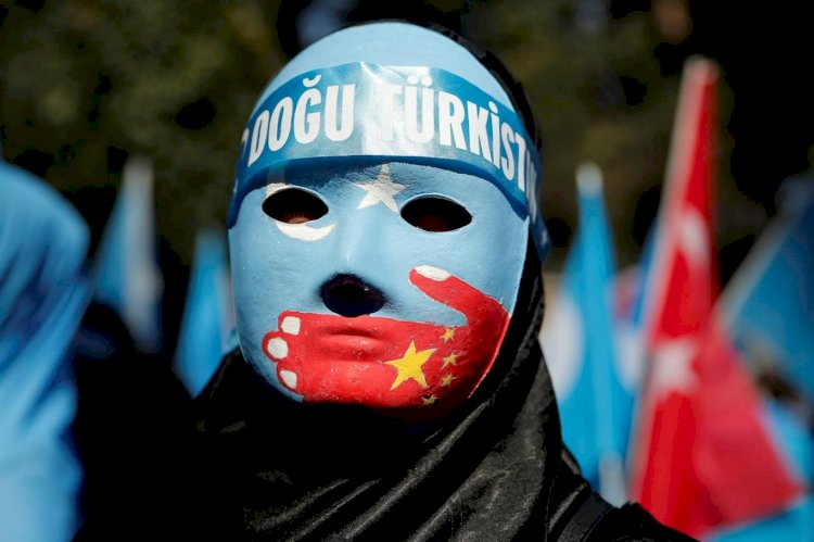 """""""Çin devleti, Doğu Türkistan'da uyuşturucu ve HIV'e yol verdi"""""""